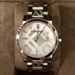 Burberry Accessories - 💥 BURBERRY The City Watch $600+